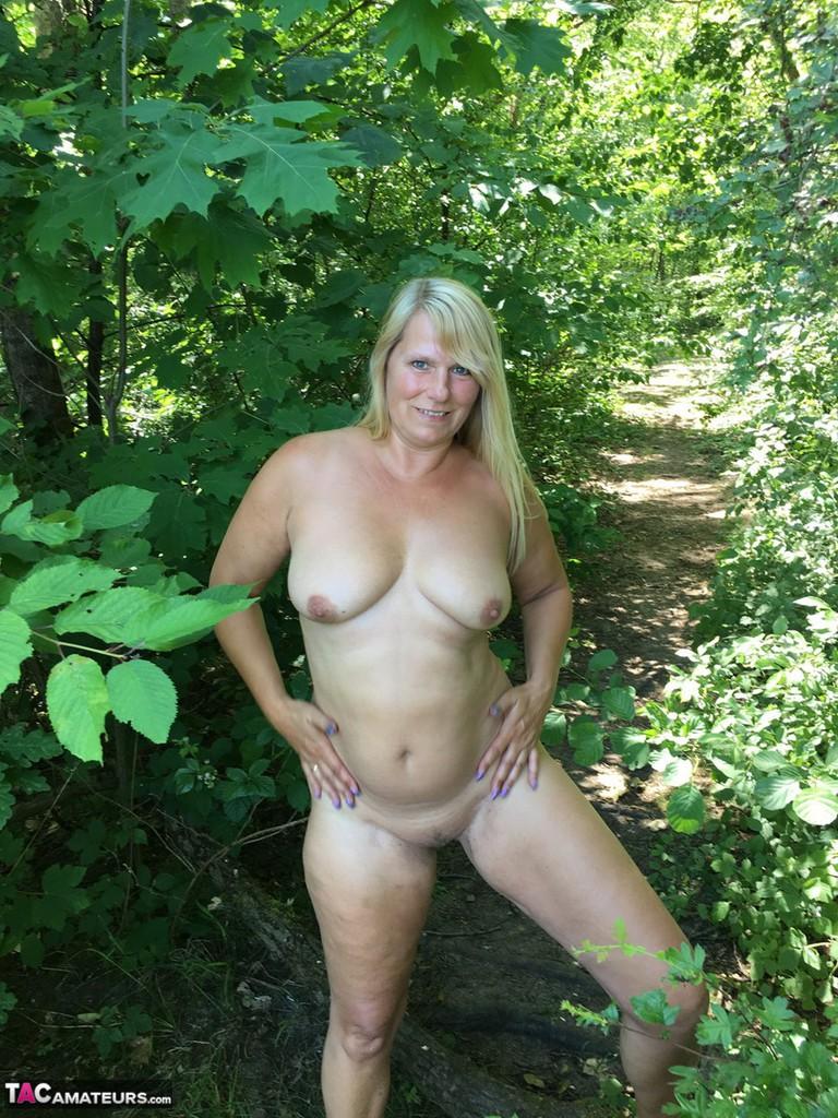 sexy smile nude jailbait